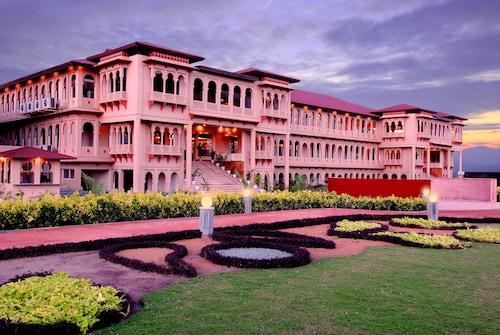. Holiday Village Resort and Spa