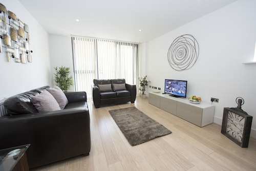 . Charles Court Serviced Apartments
