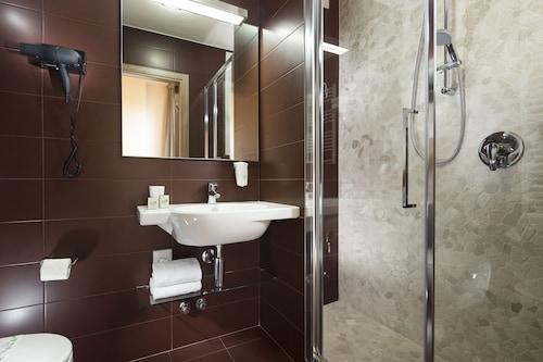 Hotel Rossini, Pesaro E Urbino