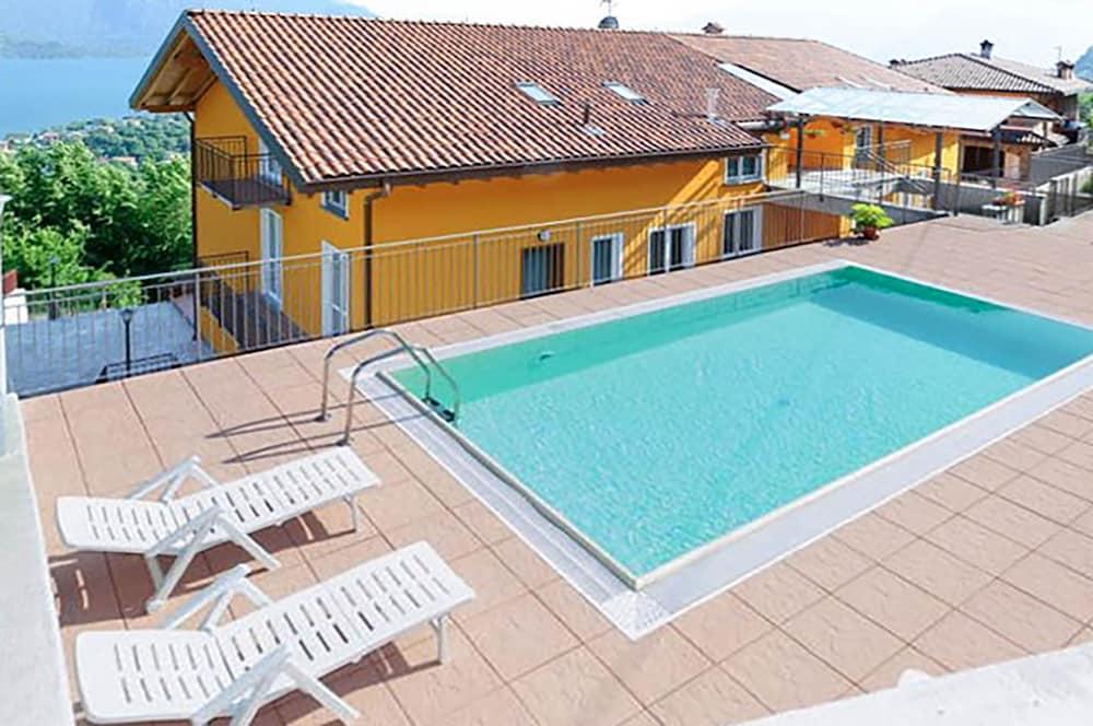 Family Apartment Overlooking Lake Como