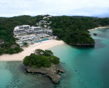 CRIMSON RESORT & SPA BORACAY Featured Image