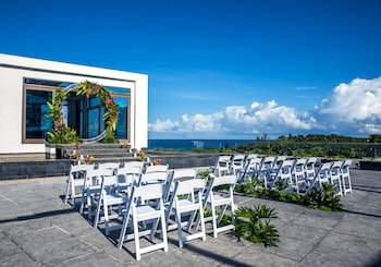CRIMSON RESORT & SPA BORACAY Outdoor Wedding Area