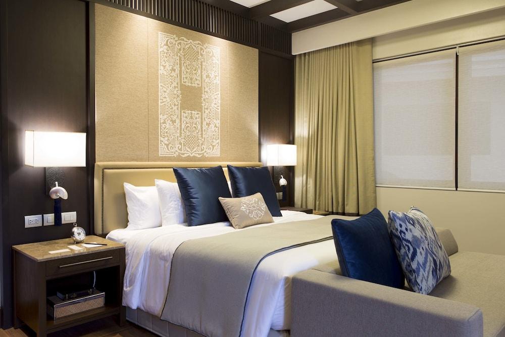 https://i.travelapi.com/hotels/20000000/19890000/19887500/19887489/d8ecd9fc_z.jpg