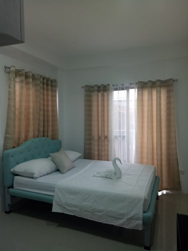 Alicia Apartment, Parañaque