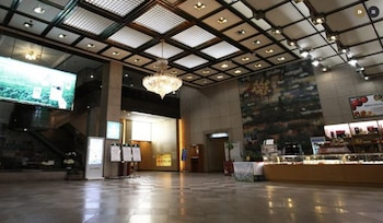 スアンボ サンロク ツーリスト ホテル (SUANBO SANGNOK Tourist Hotel)