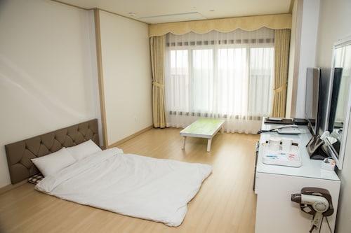 Daebudo Tourist Hotel, Hwaseong