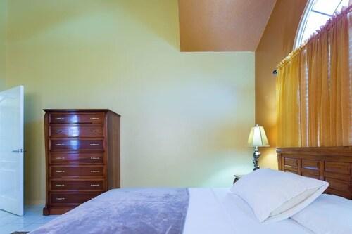 Caribbean Estate 2 Bedroom,