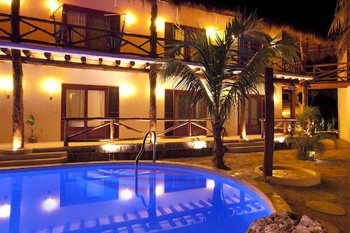 __{offers.Best_flights}__ Casa Iguana Holbox