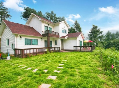 Gapyeong Lovers Pension, Pocheon