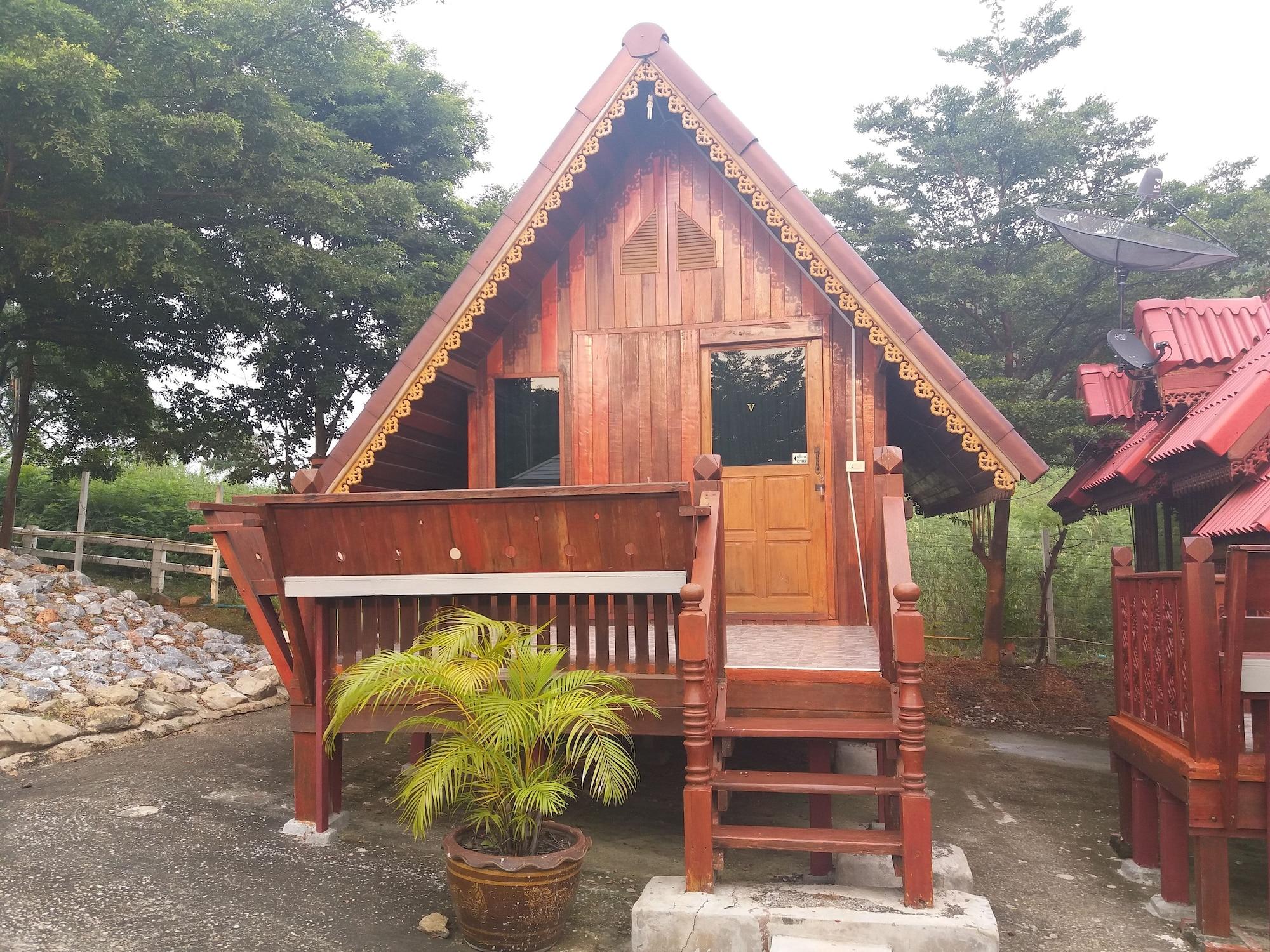 Ban Ruen Thai Resort, Muak Lek