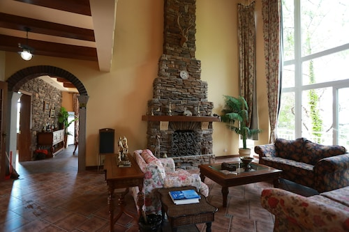 . Qiandaohu Our Relax Villa