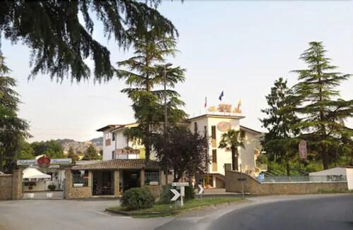 . Hotel Rocchi