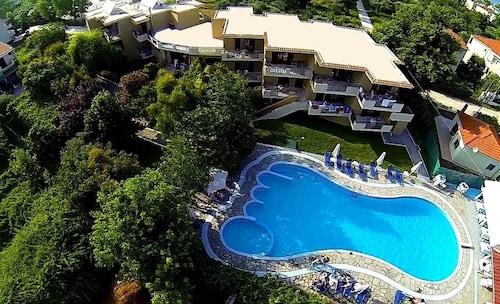 . Hotel Macedon
