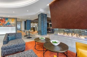 Lobby at Cambria Hotel Philadelphia Downtown Center City in Philadelphia