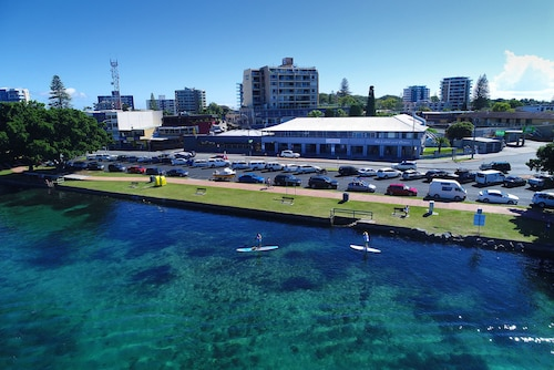 . Lakes and Ocean Hotel Forster