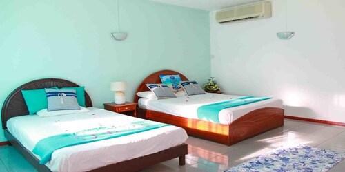Hotel Ayati,