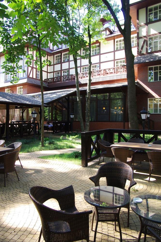 Парк-отель «Голосеево»