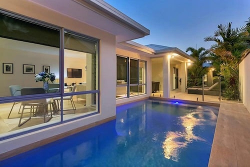 The Cove, Cairns - Northern Suburbs