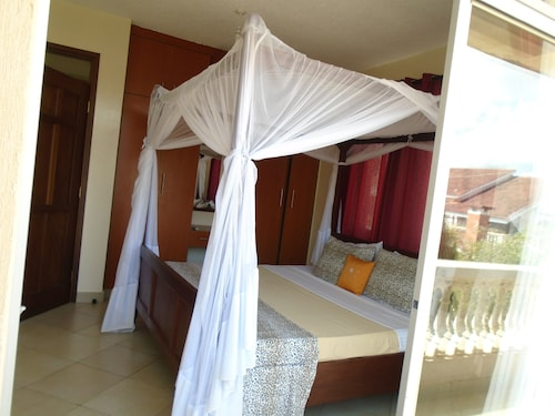 Pawenzi Serviced Apartment, Kisauni