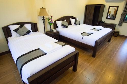 Nan Baankhun Hotel, Muang Nan