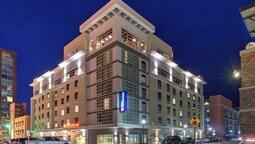Hilton Garden Inn Little Rock Downtown, AR