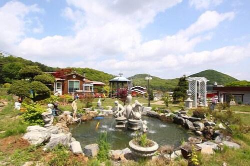 Ganghwa Art Valley Pension, Ganghwa