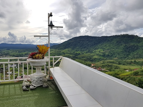 . Baanmorkburi Resort