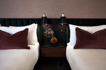 費爾萊恩飯店 Fairlane Hotel