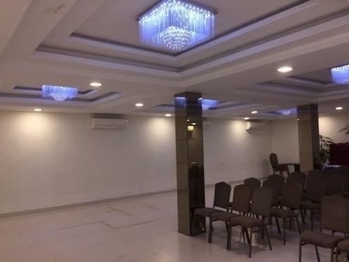 Hotel Mahendra, Raipur