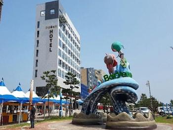 ホテル ウヨン フローラ (Hotel Wooyeon Flora)