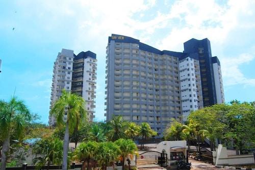 . Maya Apartment Bay View Villas