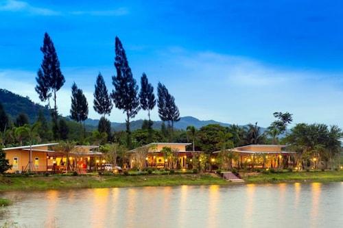 . Lemon Chalet Kaeng Krachan Resort