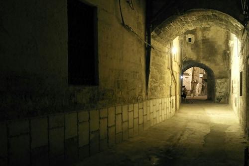 Tra Gli Archi, Taranto