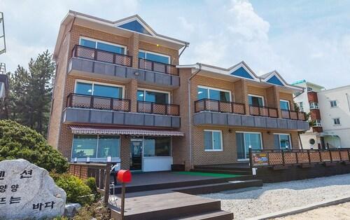 Yangyang Sunrising Seaside Pension, Yangyang