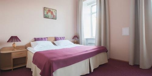 Hotel Vesta, Sankt-Peterburg gorsovet