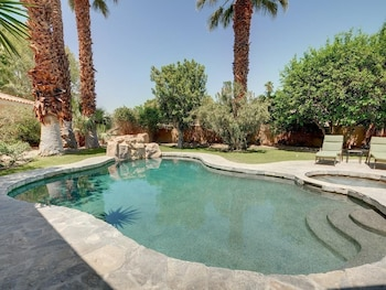 75270 Palm Shadow Dr Home - 3 Br home by RedAwning