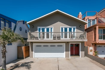 2416 Ocean Drive Home - 3 Br home by RedAwning