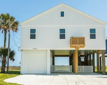 23409A Termini San Luis Pass Rd House - 4 Br home by RedAwning