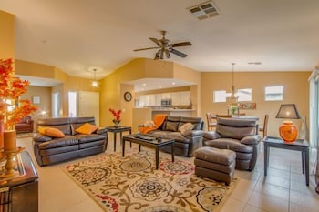 Mauna Loa - 3 Br home by RedAwning