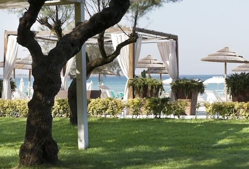 . Grand Hotel Costa Brada
