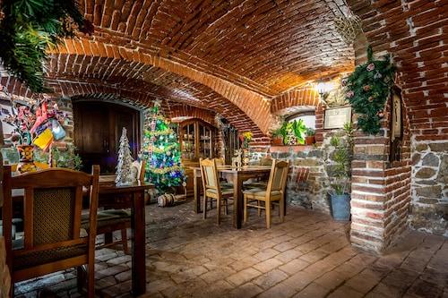 . Casa Dives, Transylvania