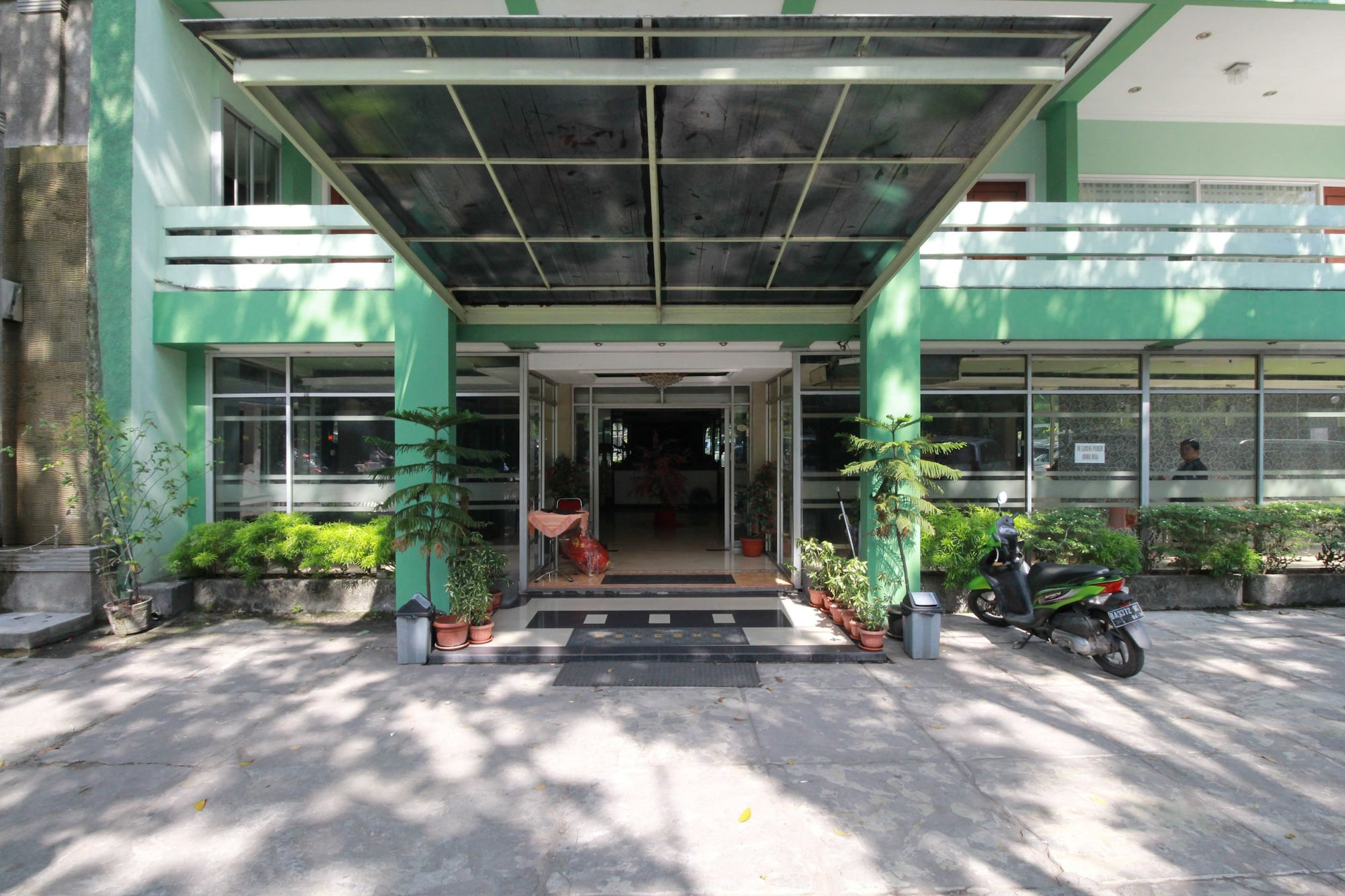 Mariani International Hotel, Padang
