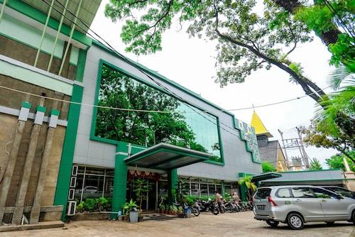 Mariani International Hotel, Padang