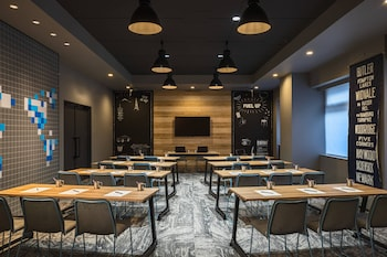 MOXY TOKYO KINSHICHO BY MARRIOTT Meeting Facility