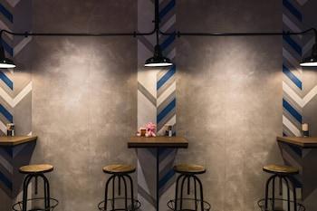MOXY TOKYO KINSHICHO BY MARRIOTT Bar