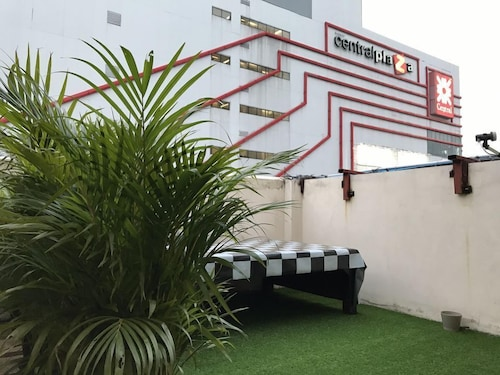 Rooftop Room, Pak Kret