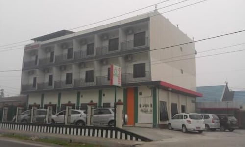 . Avicenna Hotel