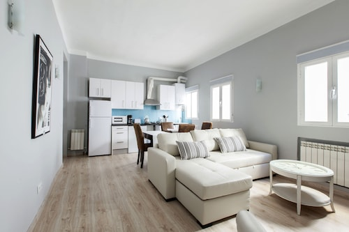 Room to Rent Cava Baja, Madrid