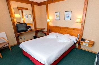 https://i.travelapi.com/hotels/21000000/20070000/20063900/20063880/6da48ba3_b.jpg