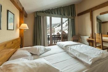 https://i.travelapi.com/hotels/21000000/20070000/20063900/20063880/da240420_b.jpg